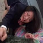 【本物レイプ動画】痛い痛い!泣きながらバックで処女マンコを犯されるJC・・・