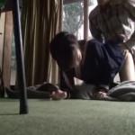 【本物レイプ動画】キチガイ注意!中年男に拉致られた中●生の少女が膣内射精専用性奴隷として飼育されている件・・・