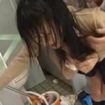 【本物レイプ動画】清掃中のトイレに入ってきたJKを作業員が種付け陵辱!泣きじゃくる少女を生ティムポでめった刺しに・・