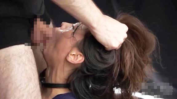 【本物レイプ動画】JK窒息地獄のイラマチオ!喉マンコガン突きレイプで失神するまで犯される・・・